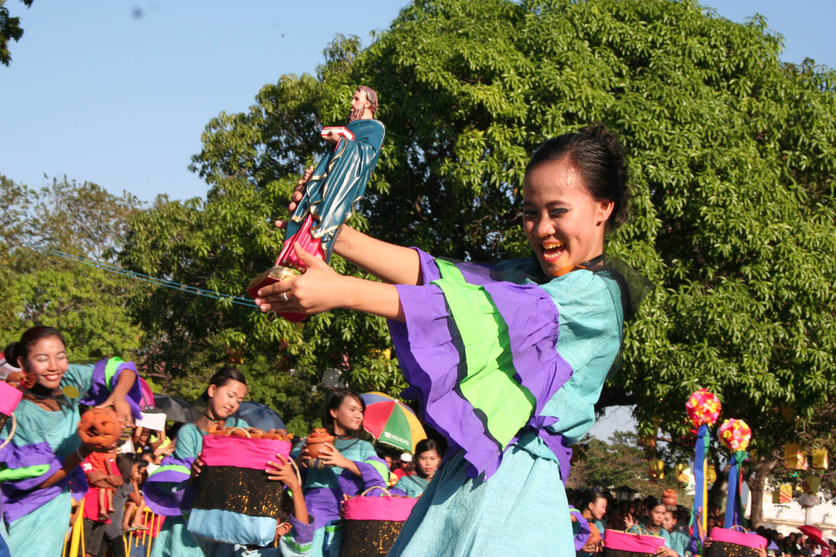 Longganisa Street Dancing Competition 2012 (photo by Salvador A. Espejo)