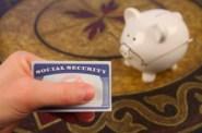 iStock_Elderly Pig SS CardXSmall
