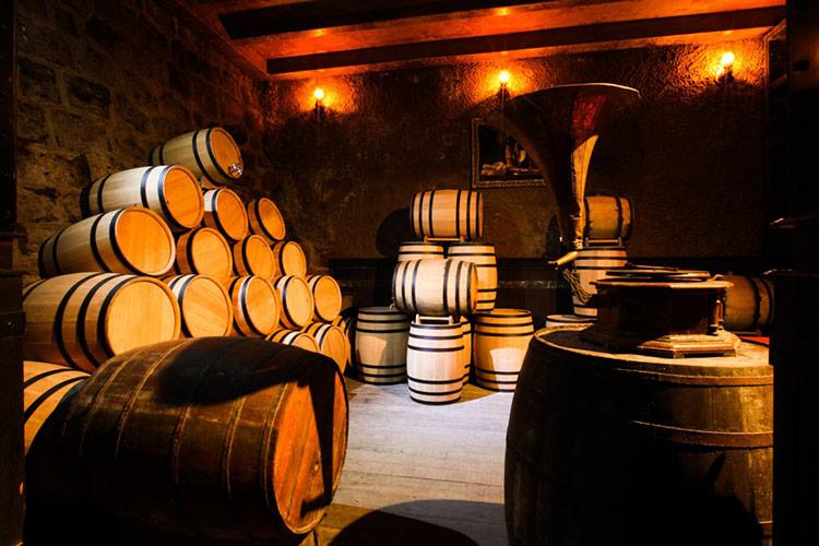 Hầm rượu cổ Debay – Bà Nà Hills