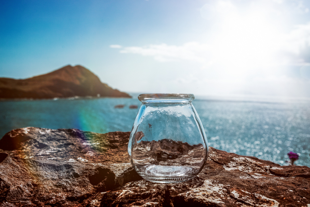 madeira-bottles-cliff-vorher1