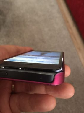 iphone ekranı kasadan ayrıldı