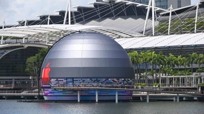 Singapur Apple Store Su üstünde olacak