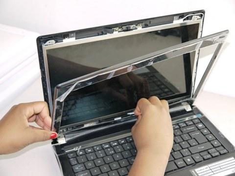 Laptop Ekran Değişimi Nasıl Yapılır ?