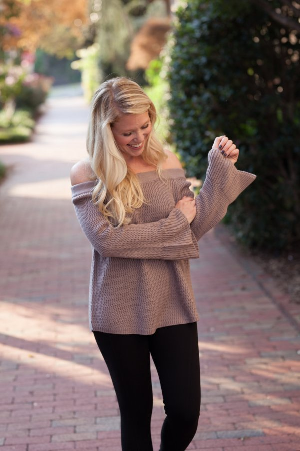 Fall Favorites, Fall Faves, Sweater Weather, Fall Style, Fall Fashion, Petal Boutique, Petal Charlotte, Bell Sleeve Sweaters, Autumn, Style Influencer, October, Fall 2017, DkourtneyPhoto, Deanna Kourtney Photography, Charlotte, Charlotte Blogger, CLT Blogger, Queen City Blogger, 704, NC Blogger, Fashion Blogger, Lifestyle Blogger, Tayloringstyle