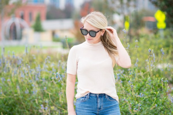 Blush, LOFT, Holiday Looks, November, Versatile Tops, Style Influencer, Fashion Blogger, CLT Blogger, NC Blogger, 704, Uptown, Levi's, Halogen, Nordstrom, Versatile, tayloringstyle, Taylor Your Closet