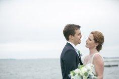 taylorlaurenbarker-juliamike-larchmontshoreclub-wedding-16