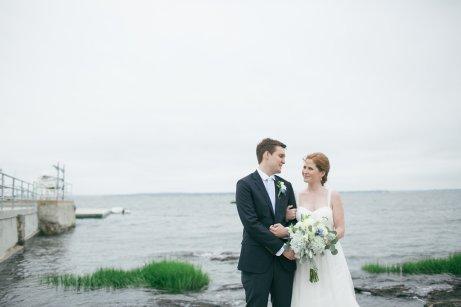 taylorlaurenbarker-juliamike-larchmontshoreclub-wedding-17