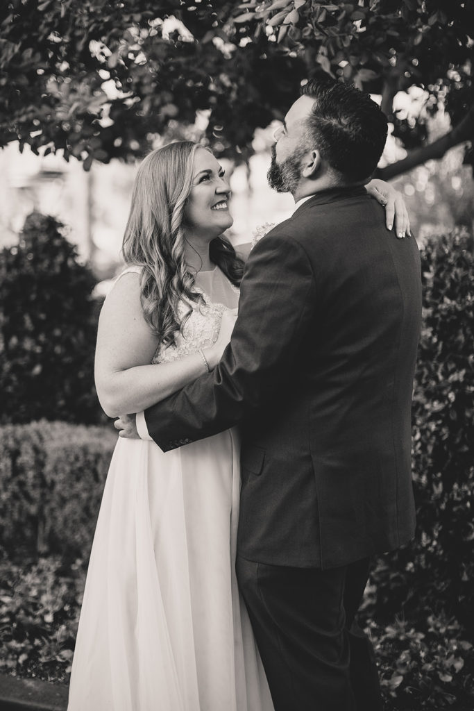 Nevada wedding photographer Taylor Made Photography captures happy couple on wedding day