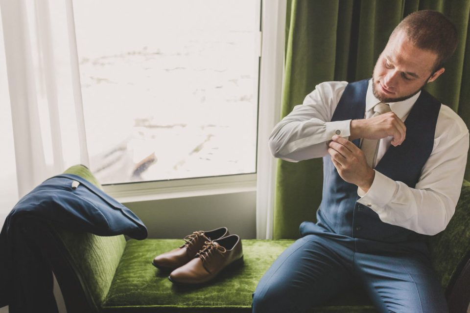 groom prepares for Park MGM wedding day photographed by Taylor Made Photography