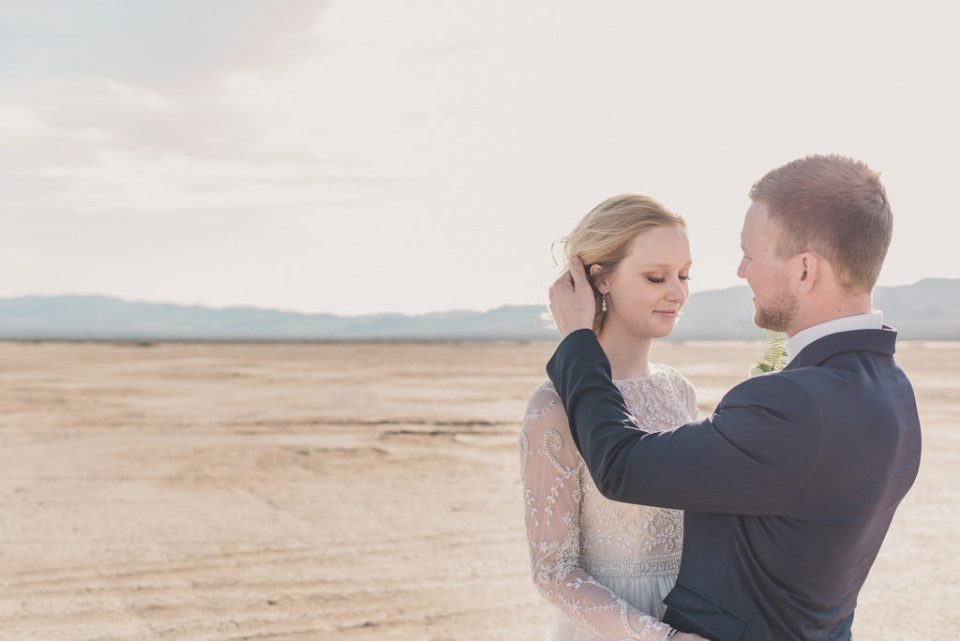 Nevada elopement portraits by Taylor Made Photography