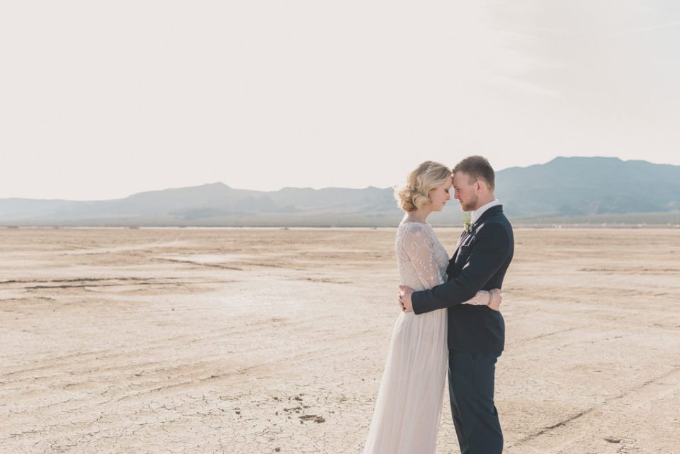 romantic wedding portraits in Nevada with Taylor Made Photography