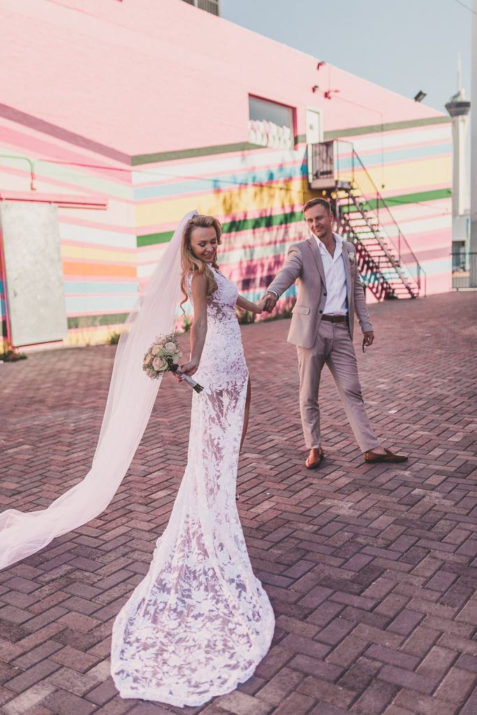 Taylor Made Photography captures bride and groom in Las Vegas NV