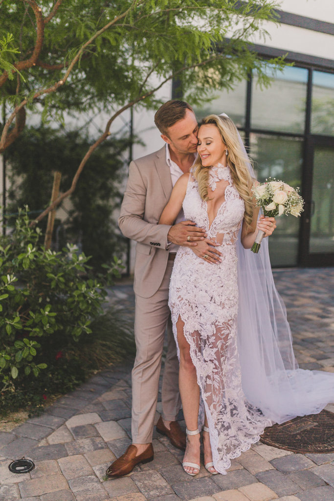 romantic elopement portraits of Las Vegas couple photographed by Taylor Made Photography