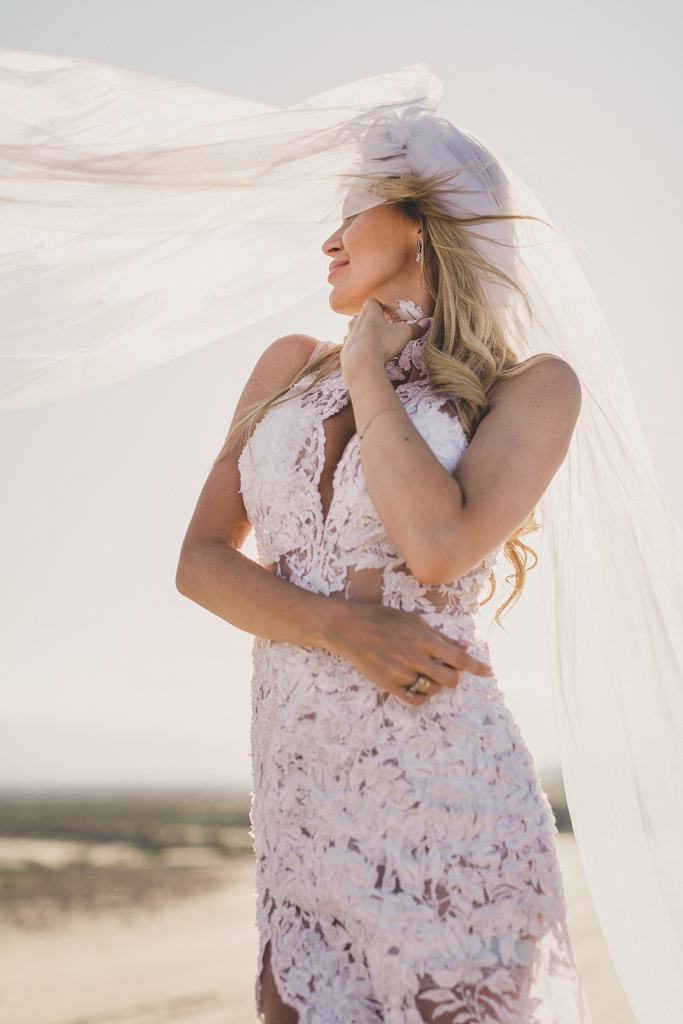 bridal portraits on sand dunes of Las Vegas with Taylor Made Photography