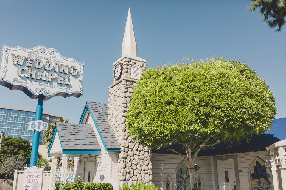 Las Vegas Graceland Chapel photographed by Taylor Made Photography