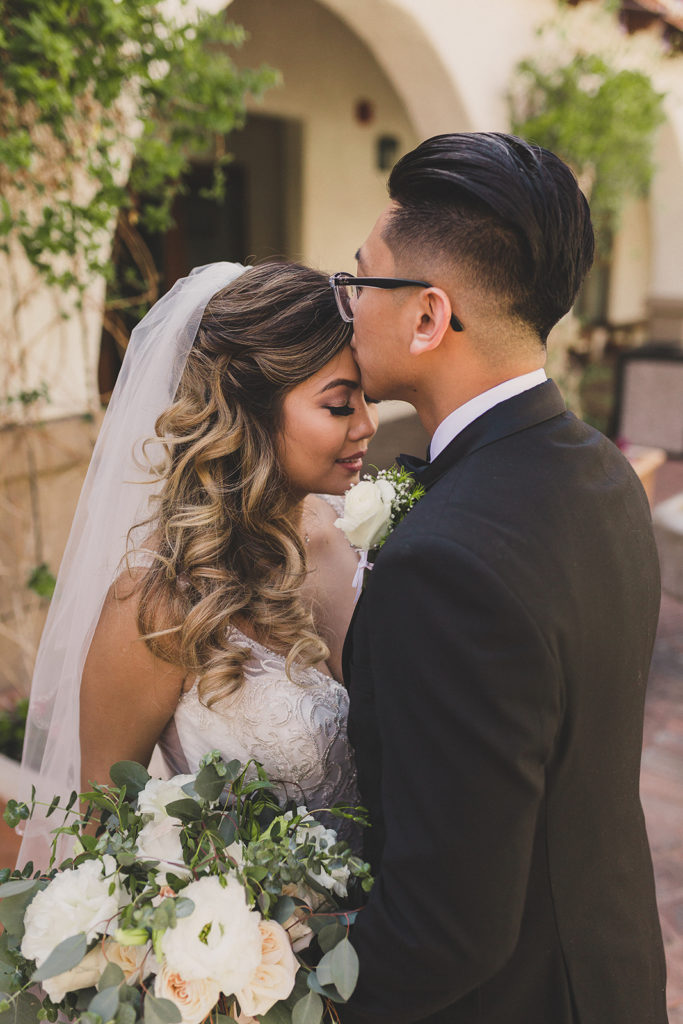wedding portraits in Las Vegas by Taylor Made Photography