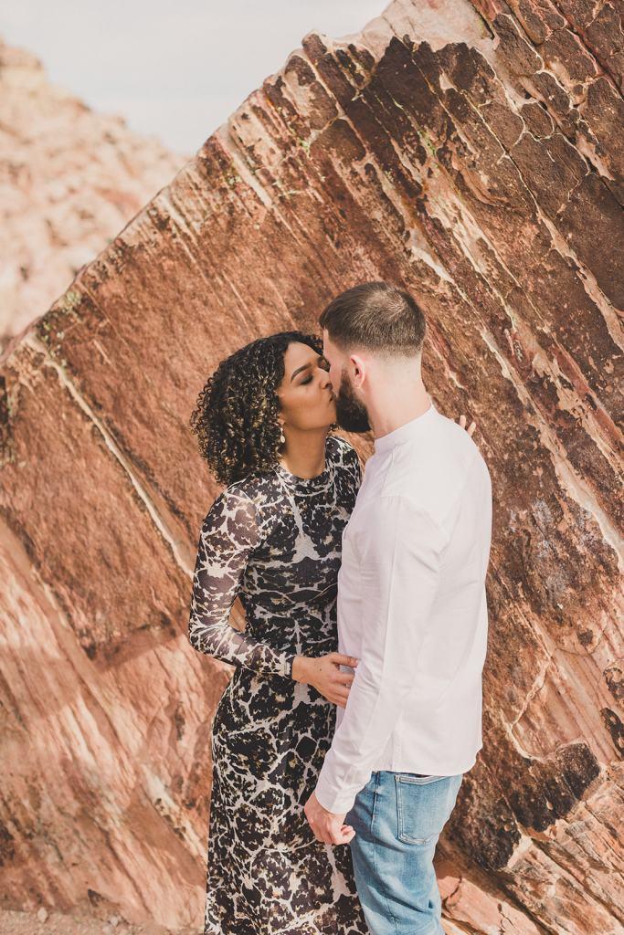 Taylor Made Photography captures Las Vegas couple's engagement portraits