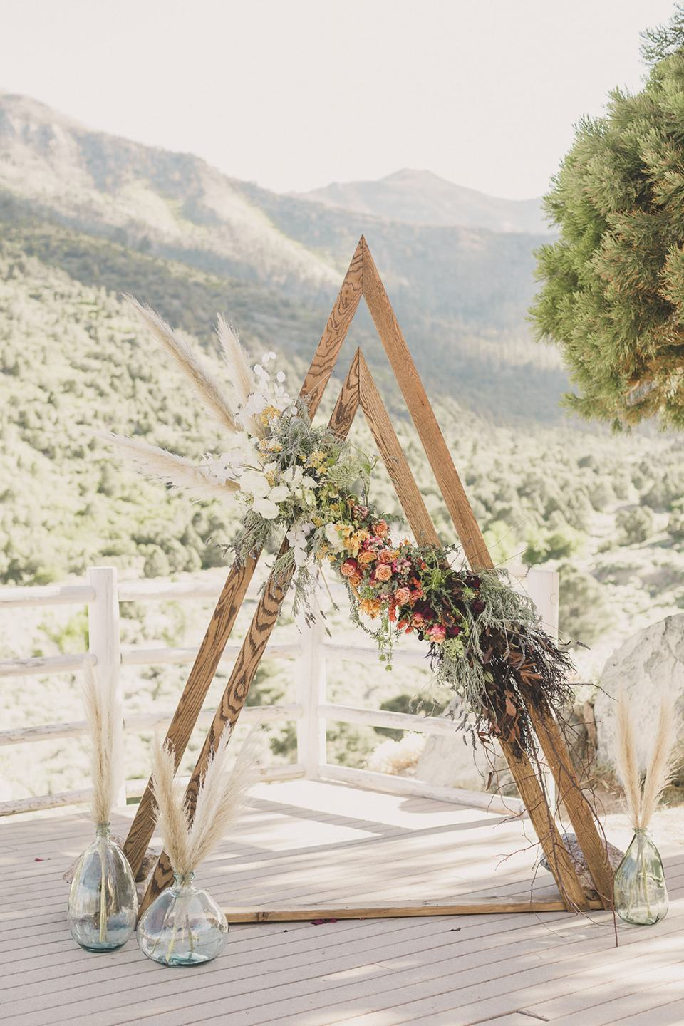 modern ceremony site for elopement photographed by Taylor Made Photography
