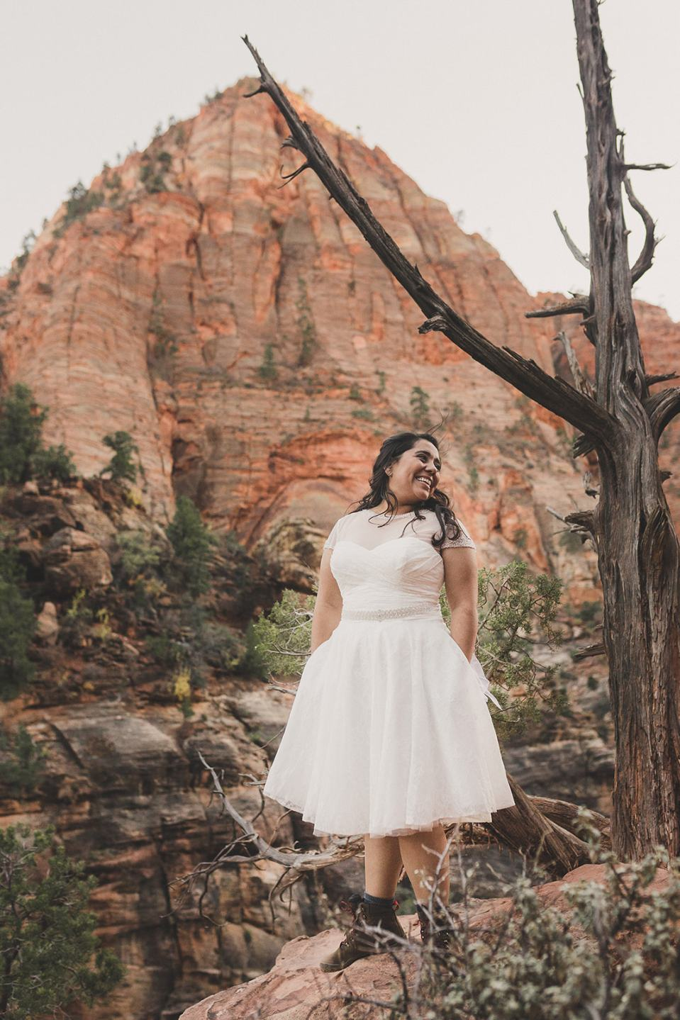 bridal portraits in the red rocks by Taylor Made Photography