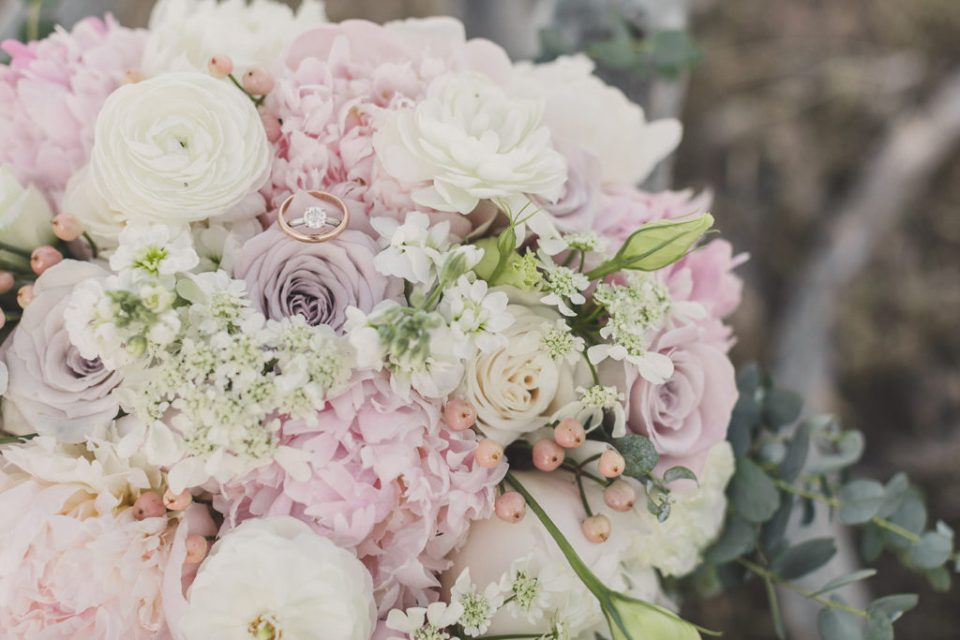 bride's pink and white bouquet for Red Rock Canyon Elopement photographed by Taylor Made Photography