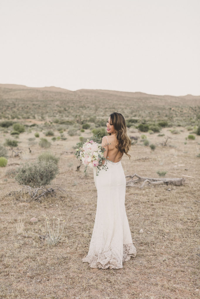 Taylor Made Photography captures bride in Las Vegas before elopement