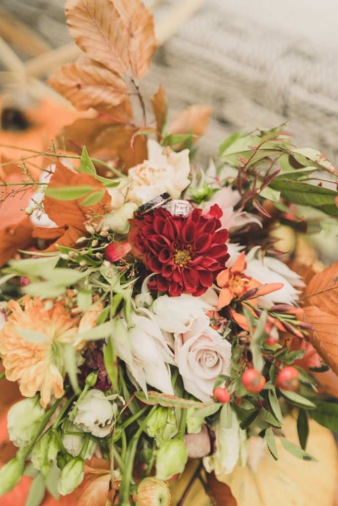 fall wedding bouquet with ring