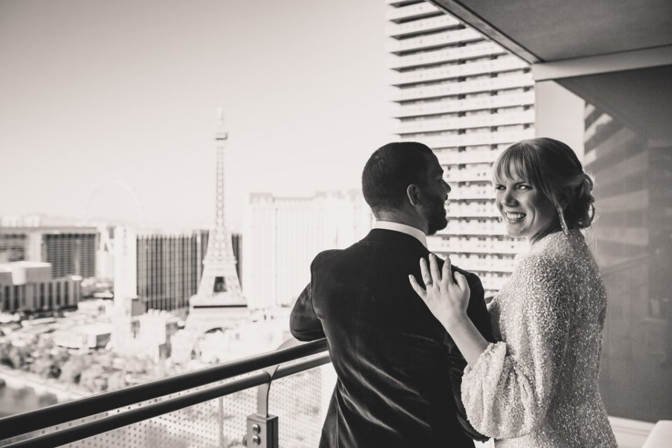 Las Vegas elopement portraits by Taylor Made Photography