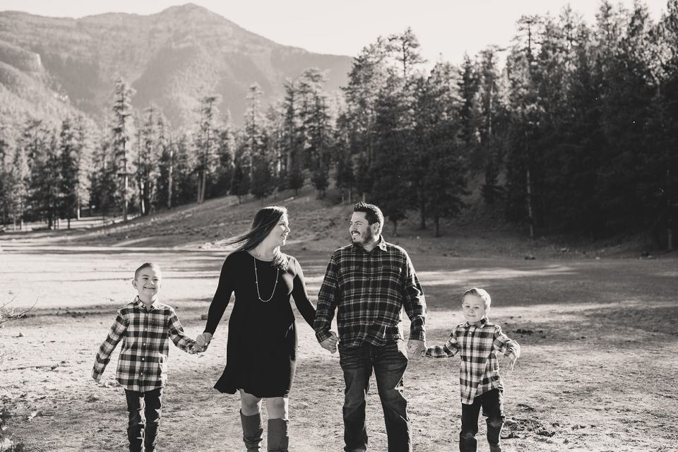 family session in the mountains of Las Vegas