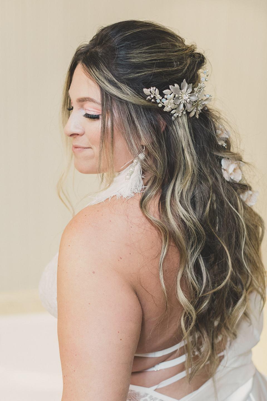 bride prepares for Las Vegas wedding