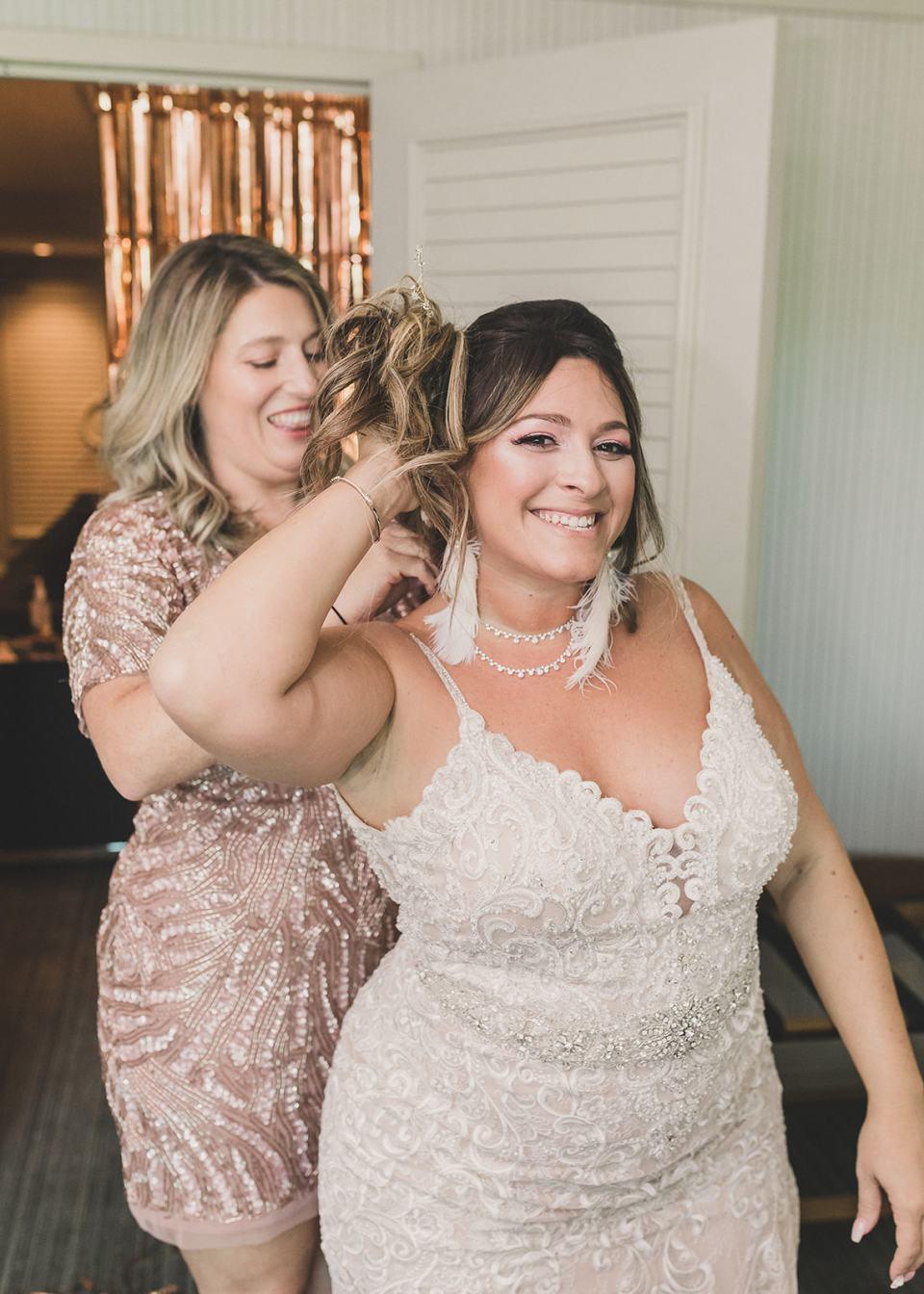 bride prepares for Las Vegas wedding with sister