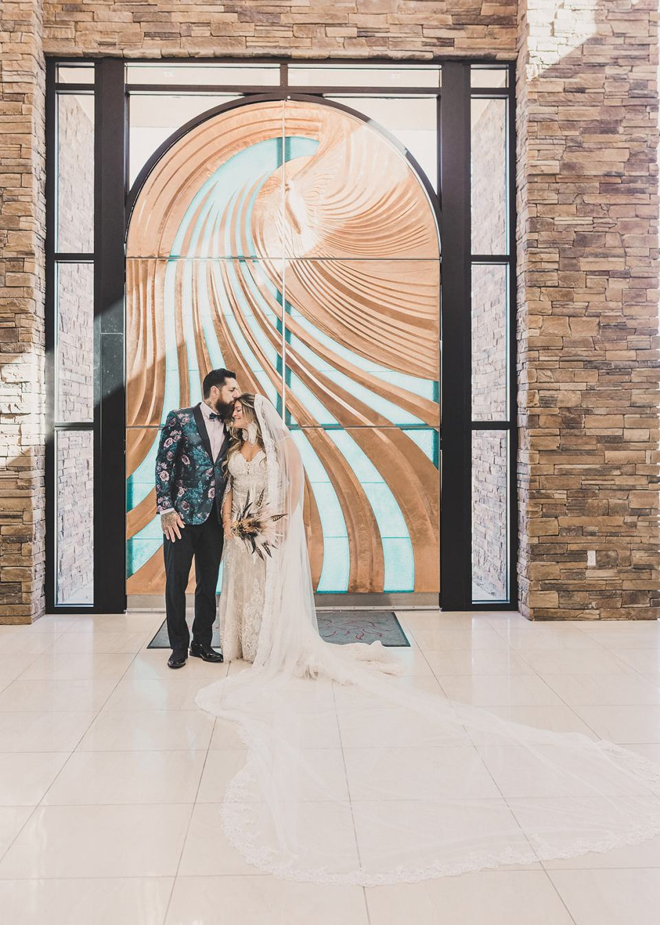 Holy Spirit Roman Catholic Church wedding portraits