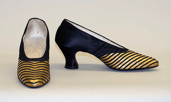 Hook-Knowles shoes