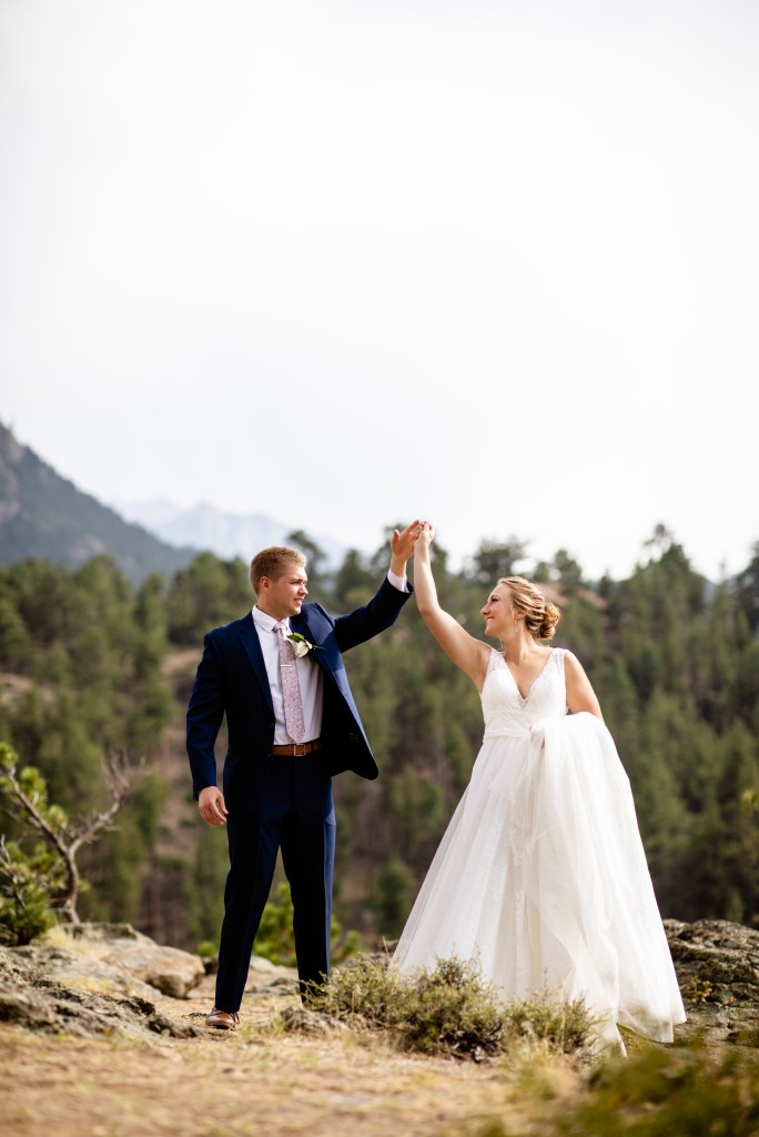 Skyview Wedding Photographer, Wedding Photographer Skyview Estes, Real Estes Weddings, Estes Wedding Photographer, Wedding Photographer in Estes, Estes Park Wedding Venues, Wedding Photographer in Estes Park, Della Terra Wedding, Black Canyon Inn wedding, The Boulders at Black Canyon Inn, RMNP Wedding Photographer, Colorado Wedding Photographer, Wedding Photographer Colorado, Skyview Fall River Village Wedding, Wedding at Skyview Fall River Village, Wedding Venues in Estes Park, Colorado