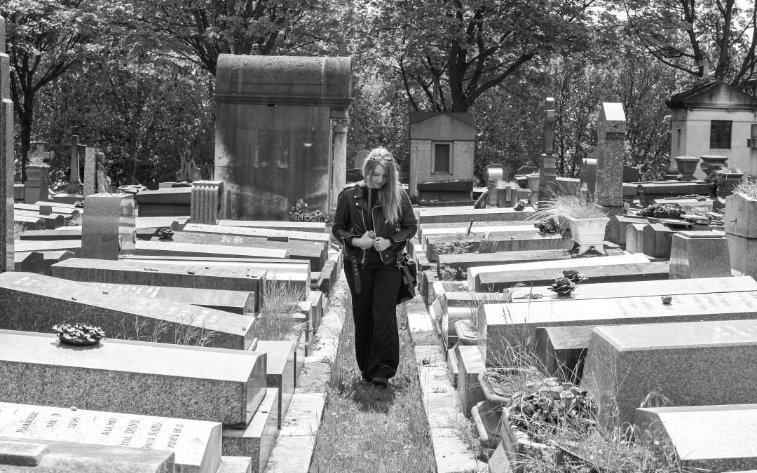Père Lachaise Cemetery: Jim Morrison, Oscar Wilde, Gertrude Stein, & friends