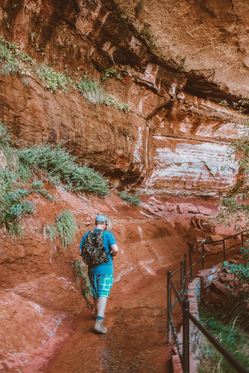 Walking along lower Emerald Falls trail