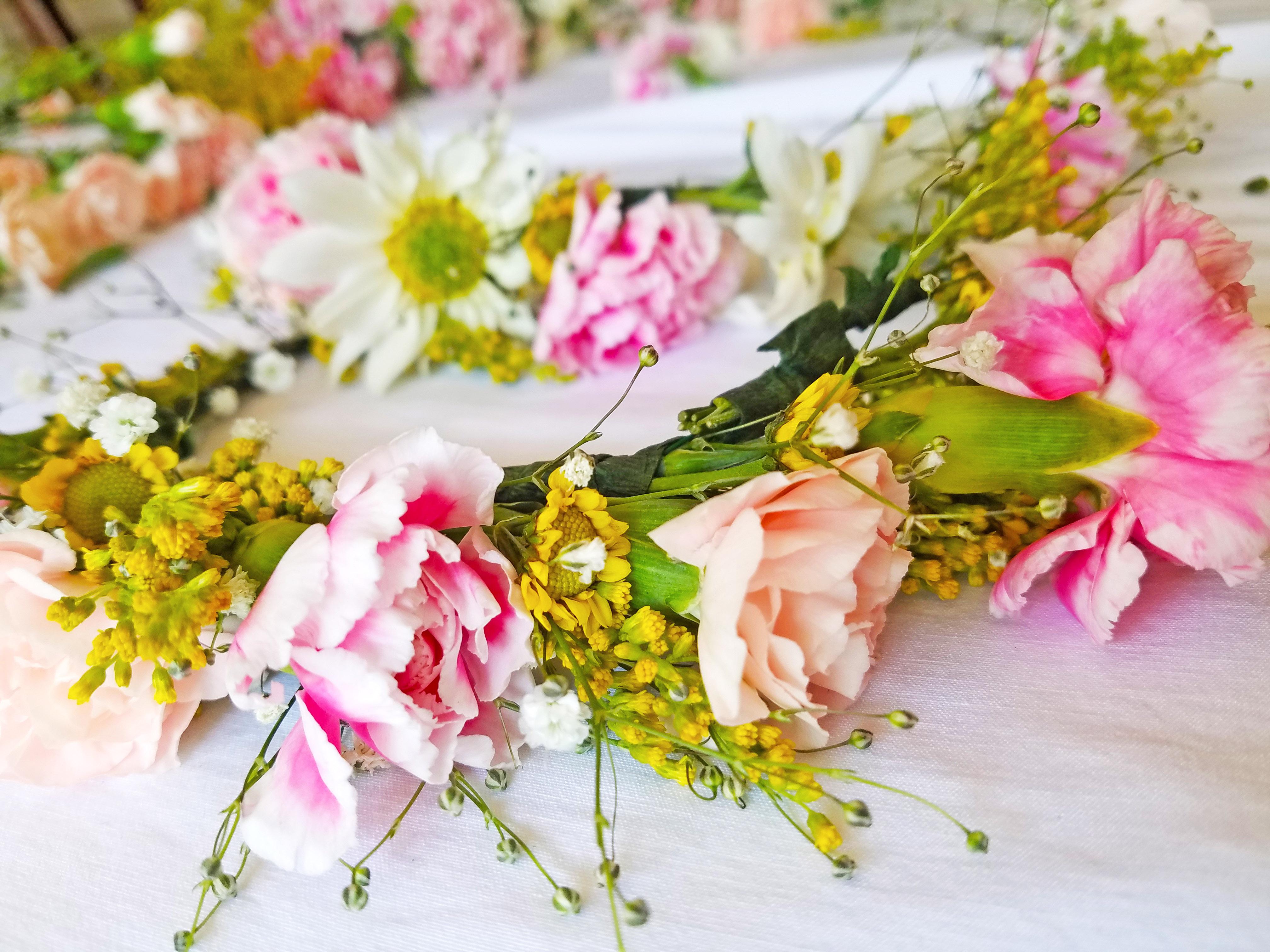 Diy flower crown tayonthemove diy flower crown izmirmasajfo