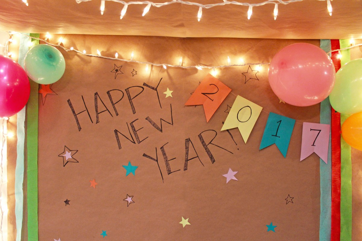 DIY New Year's Photo Booth