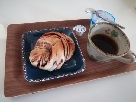 朝ごはんにチョコマーブルパン