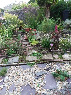 A photo of Barbara's front garden 1 year ago