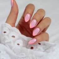 19 Almond-Shaped Nails With Nail Art Ideas for Short or Long Nails (PInterest)