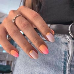 50+ Summer Nails To Give You Inspiration! - Prada & Pearls (PInterest)