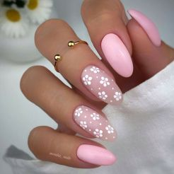 Image about flowers in Nails by Ⓥⓞⓝ on We Heart It