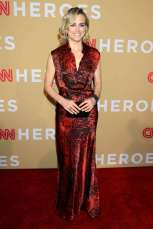 Taylor-Schilling--CNN-Heroes-2015--03