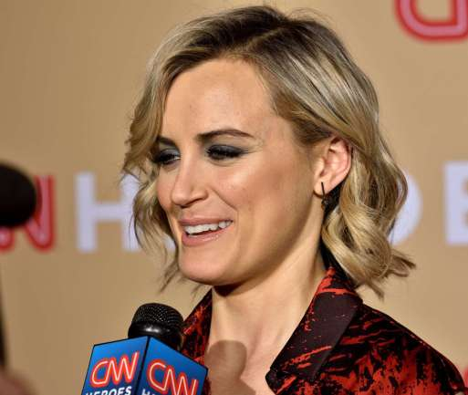 Taylor-Schilling--CNN-Heroes-2015--14