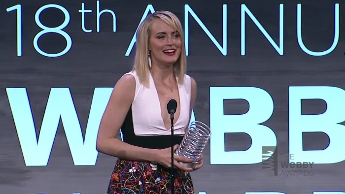Taylor Schilling s 5-Word Speech at The 18th Annual Webby Awards.mp4_20160111_163426. 23