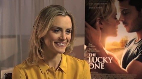 Reel Reactions - Taylor Schilling Interview.mp4_20160209_175314.382