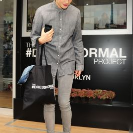 taylor-schilling-at-gap-s-dressnormal-project-in-brooklyn_16