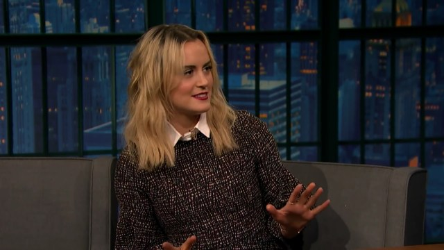 Taylor Schilling Talks Orange Is the New Black s Upsetting Fourth Season.mp4_20160720_173808.835