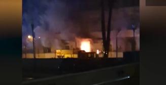 """VIDEO Imagini cu momentul exploziei care a provocat incendiul de la Institutul """"Matei Bals"""" din Capitala"""