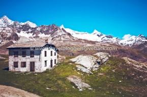 07 - Zermatt, Sveitsi La Vida Loca 2.0 Zermatt, Sveitsi: Kuva otettu Euroopan road tripin yhteydessä patikointireissulla Zermattissa vuonna 2015